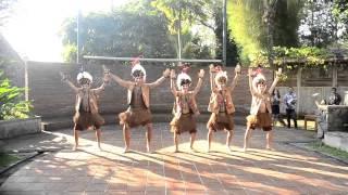 Papuanese Dance - Yamko Rambe Yamko [Sukarsa Nusantara 2014 Summer School] - Stafaband