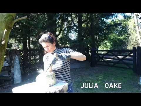 Julia Cake de Monaco,  Norfolk U.K. Studio - Monaco born 1973 Artiste, Sculptress ...