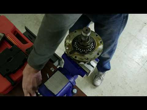 Differential (Transmission) Tear Down - Part 3 - Rolls Royce Silver Cloud