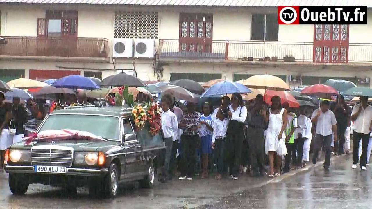 Obsèques de Henri Christophe : Le dernier hommage à Papo - YouTube