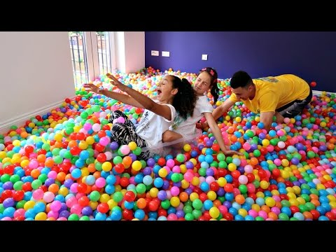 Giant Ball Pit Pool Toy Challenge Surprise Eggs Mas