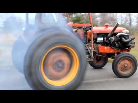 Traktore Ferrari Motoru Takilirsa Uyuyan Dev Uyandi
