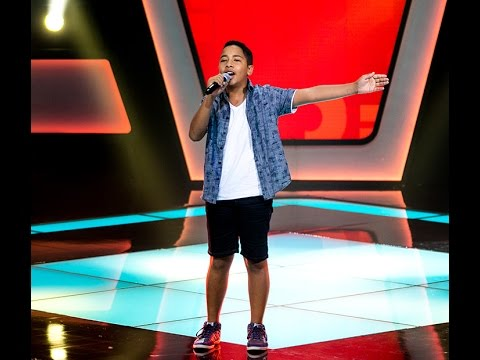 "Tavinho Leoni canta ""A voz do morro"" no The Voice Kids - Audições