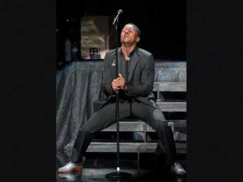 Maxwell Singing Lifetime Acapella.wmv