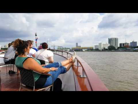Tour Chao Phraya river