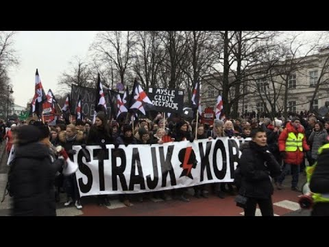 Thousands of Poles protest anti-abortion bill