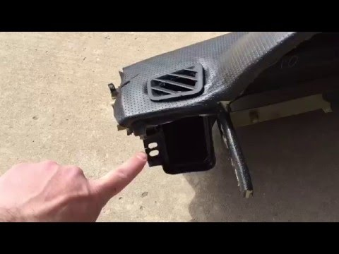 Land Rover LR3 Discovery 3 Dashboard Removal and Replacement Part 1