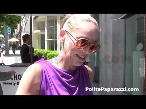 Geena Davis & Sharon Stone 1  (CLASSIC VIDEO)