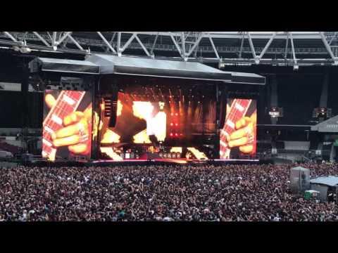 Slash - Godfather theme london stadium