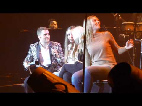 Michael Buble - Me and Mrs Jones (with fans on stage) - Amsterdam - 19/01/2014