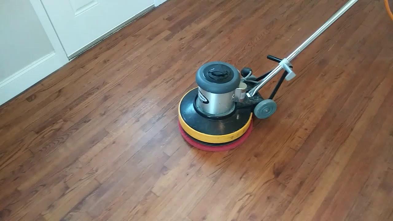 Cara Membersihkan Lantai Kayu Tanpa Merusaknya