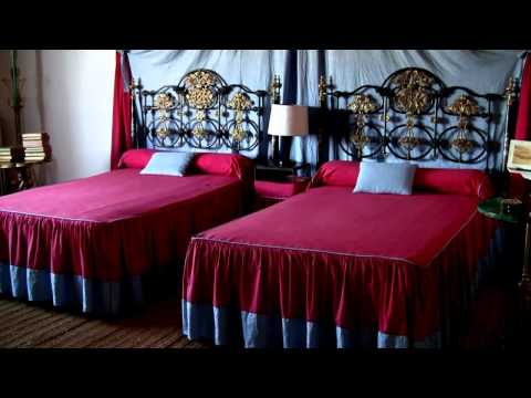 Salvador Dali - his home in Portlligat (HD)