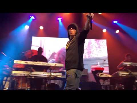 Eminem-River (Live in NYC) *high quality*