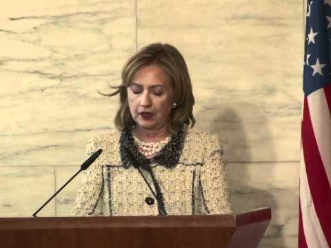 World must increase isolation of Kadhafi regime: Clinton