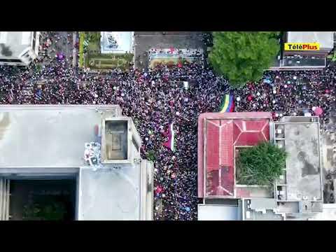 Marche de l'opposition et des plateformes citoyennes à Port-Louis : la foule vue d'un drone à 14h22