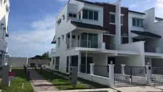 New Townhouse For Sale @ Holiday Park, Miri.