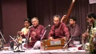 Ustad Qamar Uz Zaman Qamar e Mausiqi in India Live.MPG