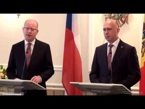 Briefing susținut de prim-ministrul Republicii Cehe, Bohuslav Sobotka, și prim-m...