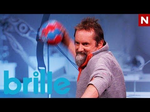 Brille | Egil lærer å kaste håndball som en proff | TVNorge
