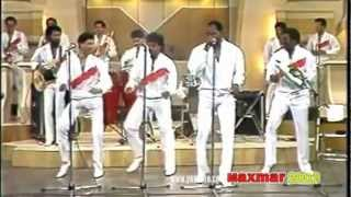 Johnny Ventua y su Orquesta {El hombre enamorado)