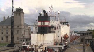 Great Lakes Freighters in HD: Algoma Guardian in Soo Locks