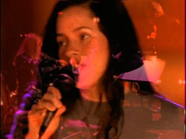 natalie-merchant-life-is-sweet-w-intro-vh1-live-2005-henry-ner
