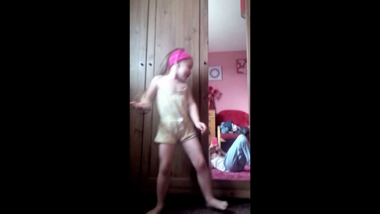 my 3 year old sister singing awwww xxxx - youtube