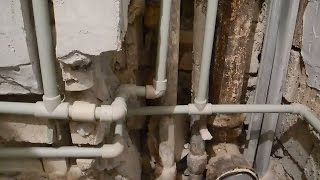 Своими руками прячем трубы в стены,в ванной комнате ч.3(В этой части подробно показан сам процесс пайки труб под горячую и холодную воду,показано в какой последова..., 2016-03-22T21:28:20.000Z)