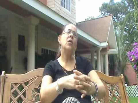 Suyapa Garcia, Cliente de ECASA.wmv