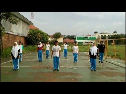 Pemanasan (Walk The Moon - Shut Up And Dance)