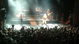 Ke$ha -  Dirty Love [Live Trianon 2013]
