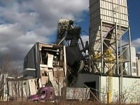 "Omaha plant explosion a ""big ball of fire,"" survivor recalls"