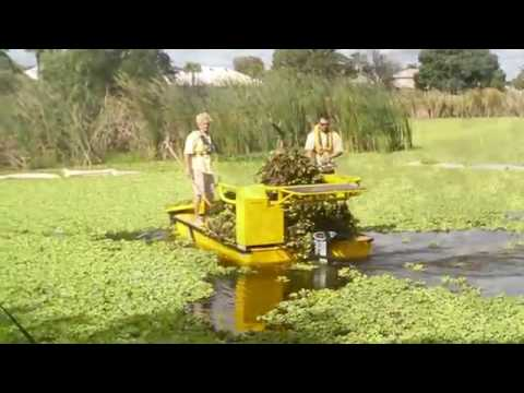 Weedoo Boats   Aquatic Weed Cutter and Harvester Boats