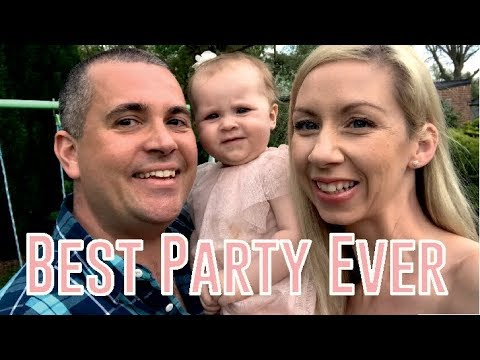 BEST FIRST BIRTHDAY PARTY !! BABY GIRL PARTY | TROLLS THEME | VLOG
