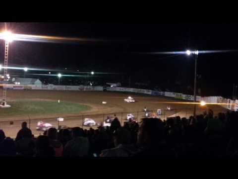 MSCS Sprint Car Feature Lineup and 4 Wide Salute Lincoln Park Speedway