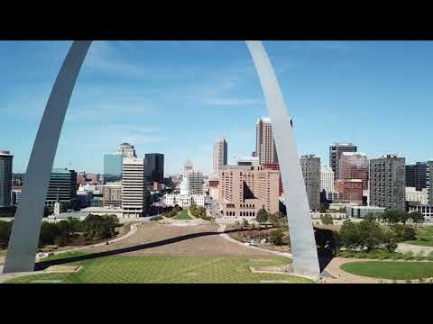 Drone in front of the St. Louis Arch