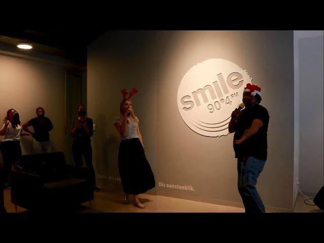 Challenge Thursday Finale - Smile Breakfast Christmas Karaoke