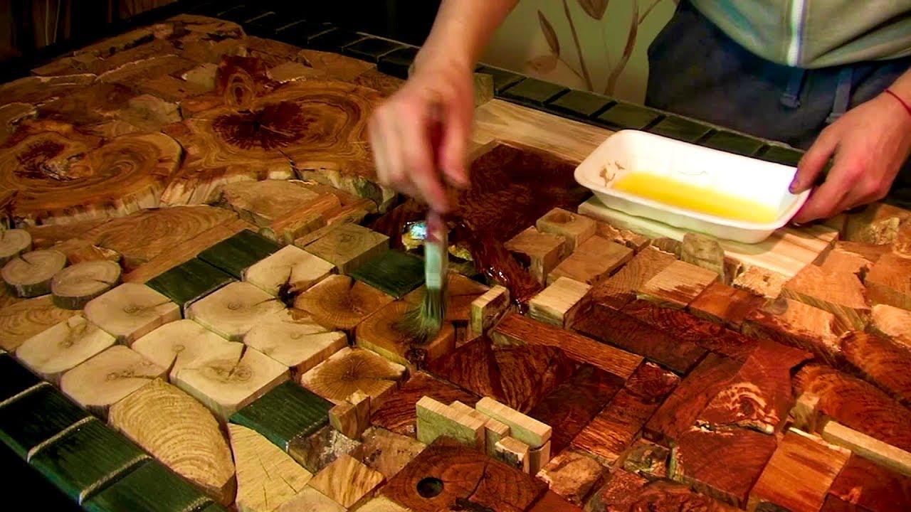 Благодаря его обеззараживающему действию и другим полезным свойствам, по сегодняшний день ценятся разнообразные вещи, изготовленные из древесины можжевельника: сувениры, предметы посуды. Бытует мнение, что если регулярно пользоваться посудой из можжевельника, можно навсегда.
