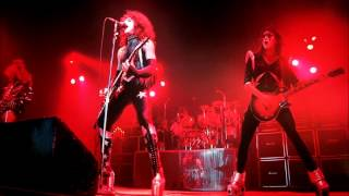 Kiss Live Hempstead Nueva York  23-8-75 Dressed To Kill Tour