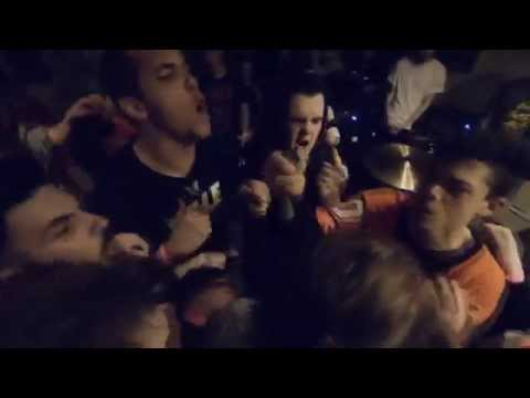 Varials // Savage (Official Live Video)