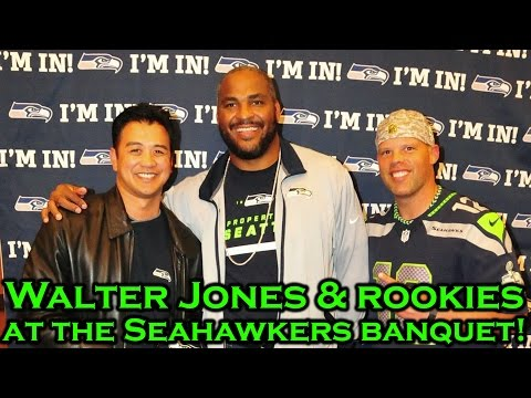 Meeting Walter Jones & Rookie Players At The Seahawkers Banquet