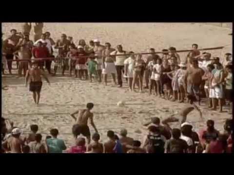 Neymar joga FutVôlei na praia de Santos