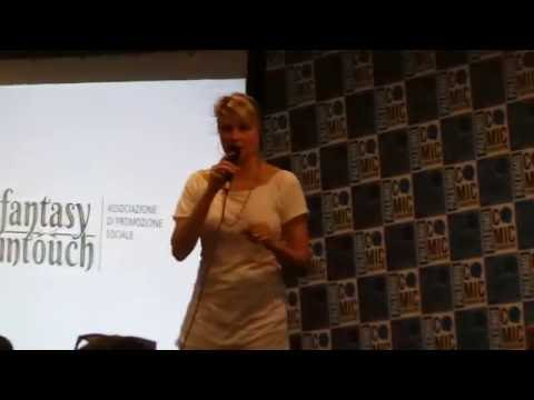 Lucy Lawless - Panel Q & A - Palermo Comicon - 04/09/2016