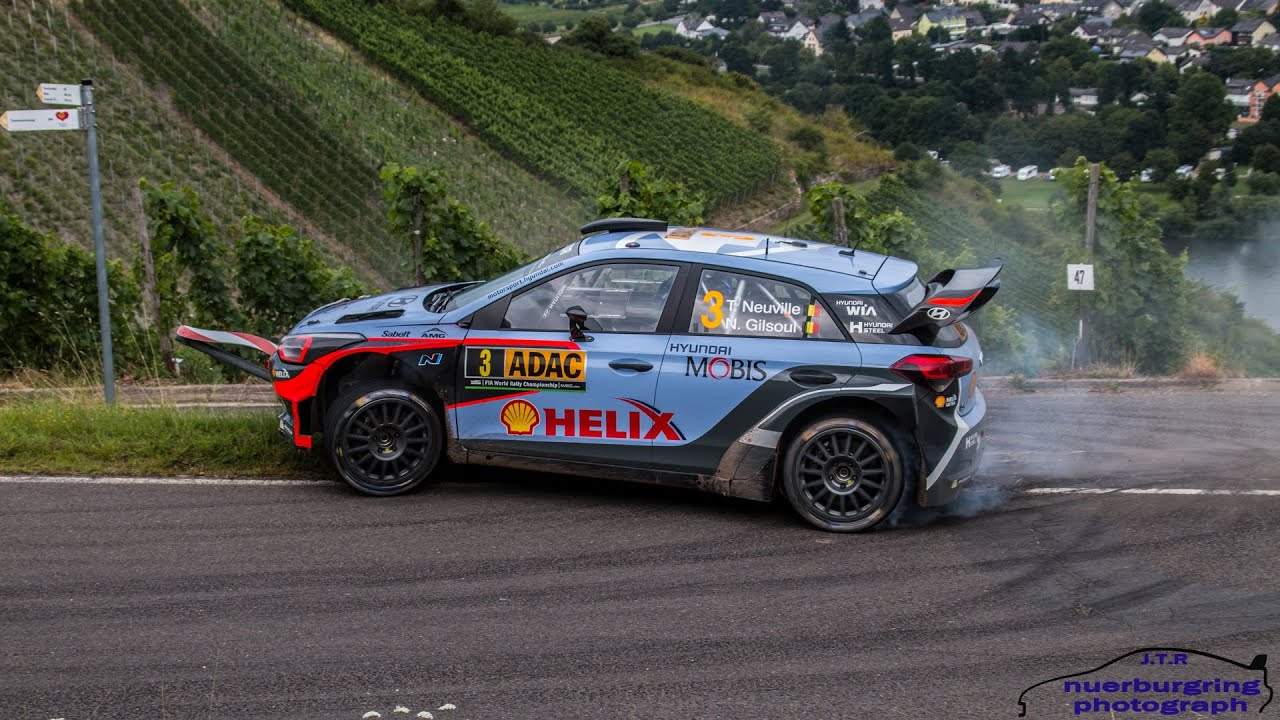 wrc adac rallye deutschland 2016 crash thierry neuville hitting a road sign freitag. Black Bedroom Furniture Sets. Home Design Ideas