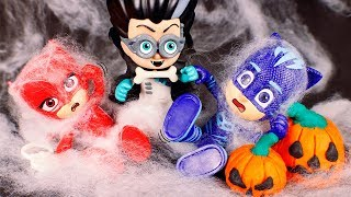 PJ Masks Toys ⚡ Traps in Halloween 😮🎃😆