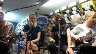 Wolf Alice - Turn To Dust (Acoustic) (HD) - Banquet Records, Kingston - 02.07.15