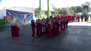Yosi bailando en navidad 2013