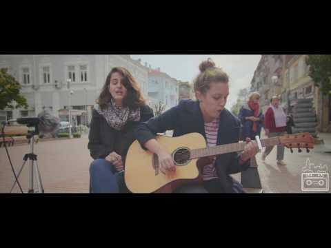 Deya & Teodora - Mad World (Acoustic Cover) | Urban Tapes