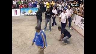 Repeat youtube video FINALE CHAMPIONNAT DU MONDE PÉTANQUE 2007