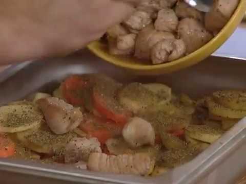 Рецепт: свинина с овощами по-грузински. GuberniaTV